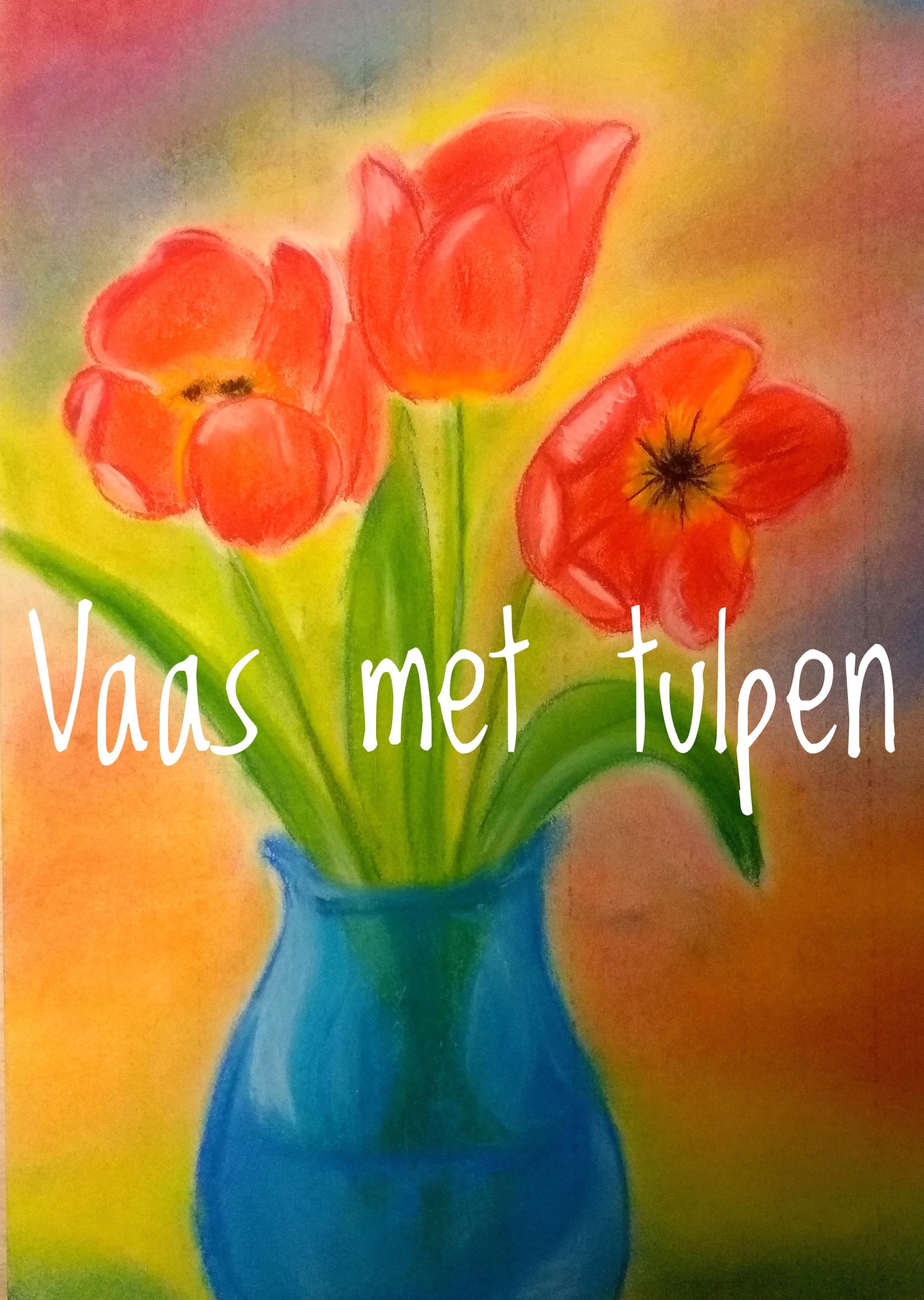 vaas-met-tulpen
